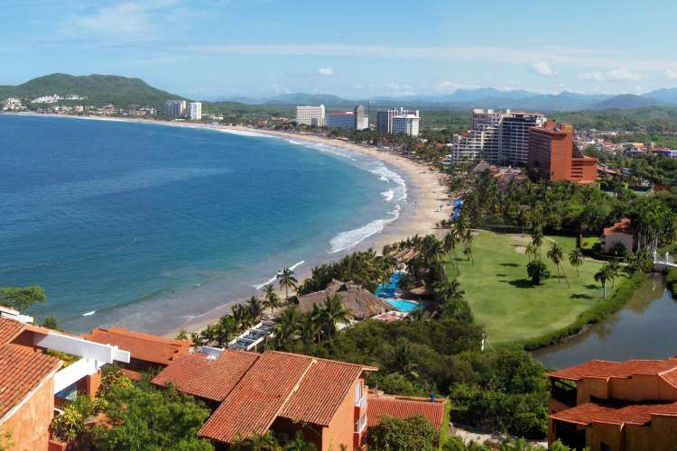 City Tour of Ixtapa Zihuatanejo & Shopping | Pacific Tours Ixtapa. Get to see two turist destination at once by taking the city tour (Ixtapa Zihuatanejo). Our tour guide will take you to See Ixtapa most interested áreas, at the mean time admire the view of the mountain range that descenfs to the sea and frames this wonderful town (Zihuatanejo). Things to do in Ixtapa Zihuatanejo