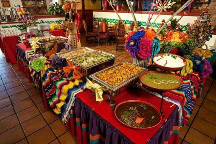 Ixtapa City Tour with Dinner Show, Mexican Fiesta | Pacific Tours Ixtapa. Enjoy a great dinner show at the Mexican Fiesta in Ixtapa Zihuatanejo, only on Friday. We will take you to see Ixtapa Most interested places such as the crocorile pit, marina Ixtapa, Hotel Zone and the View Point. Things to do in Ixtapa Zihuatanejo
