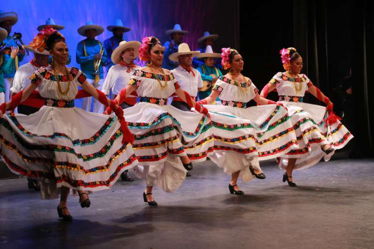 Ixtapa Dinner Show at the Mexican Fiesta | Pacific Tours Ixtapa. Great Evening at the Mexican Fiesta in Ixtapa Zihuatanejo, a Great Show and Dinner Buffet, This Mexican Fiesta is only on Friday from 7:30 pm to 10 pm. Activities in Ixtapa Zihuatanejo